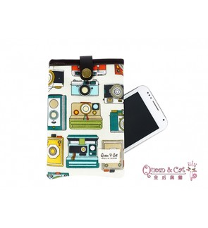 "Queen And Cat  5.5"" Handphone Pouch with Strap"